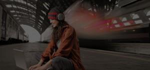 girl-listening-to-music-lounge-wordpress-theme